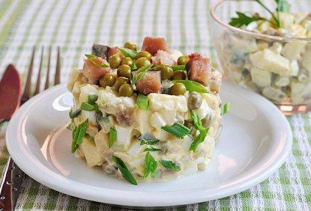 Салат из копчёной скумбрии
